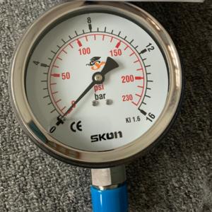 Đồng hồ đo áp suất Skon model 421.23.341
